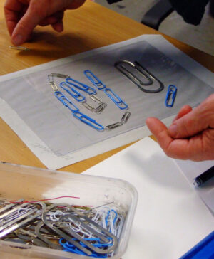 making a plate with paper clips